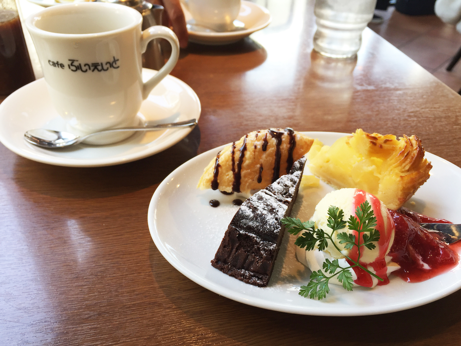 cafe_lunch_ desert_20190218.jpg